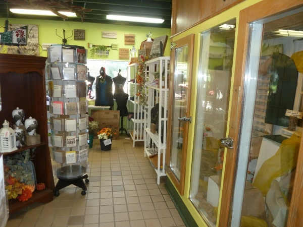 Listing Image #7 - Retail for sale at 302 8th St, Baraboo WI 53913