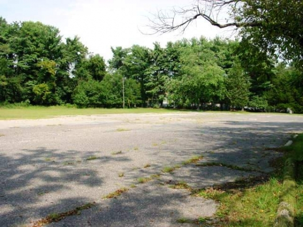 Listing Image #4 - Land for sale at 26 Creekview Rd, Willingboro NJ 08046