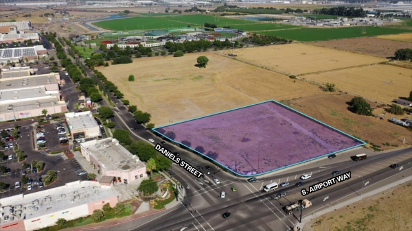 Listing Image #1 - Land for sale at 1115 S. Airport Way, Manteca CA 95336