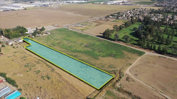 Listing Image #1 - Land for sale at 282 N. Airport Way, Manteca CA 95336