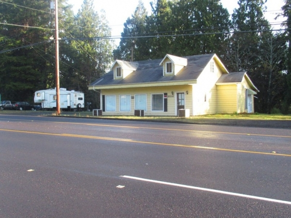 Listing Image #1 - Retail for sale at 85295 Highway 101, Florence OR 97439