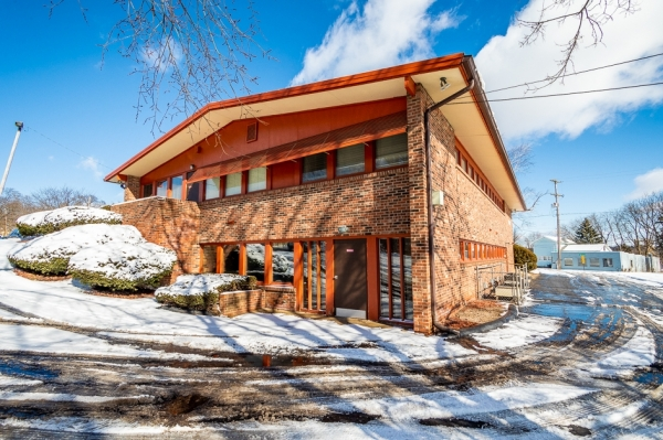 Listing Image #1 - Office for sale at 500 Lansing ave, jackson MI 49202