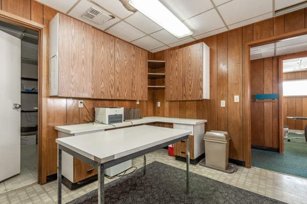 Listing Image #4 - Office for sale at 500 Lansing ave, jackson MI 49202