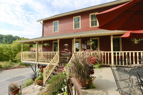 Listing Image #1 - Hotel for sale at 106 Parkway Ave S, Lanesboro MN 55949