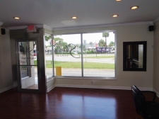 Listing Image #3 - Retail for sale at 2852 E Oakland Park Blvd, Fort Lauderdale FL 33306