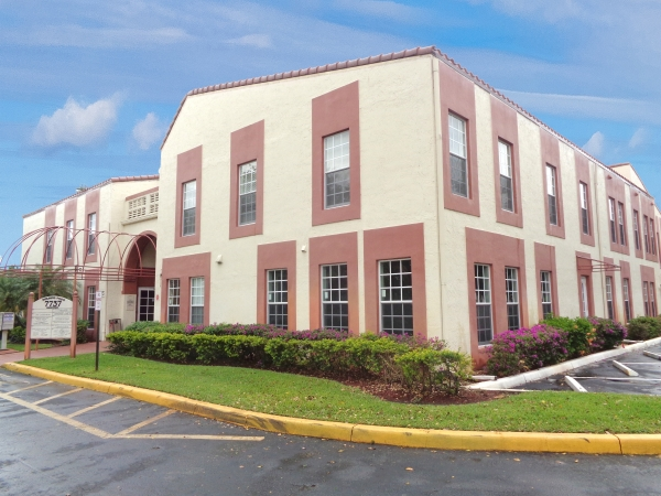 Listing Image #1 - Office for sale at 7737 N University Dr #105, Tamarac FL 33321