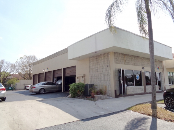 Listing Image #3 - Industrial for sale at 11560 Wiles Rd, Coral Springs FL 33076