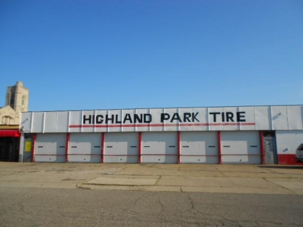 Listing Image #2 - Retail for sale at 13145 Woodward Ave., Highland Park MI 48203