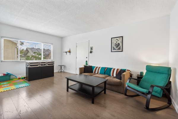 Listing Image #5 - Multi-family for sale at 4408 Russell Ave, Los Feliz CA 90027