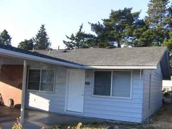 Listing Image #2 - Multi-family for sale at 2615 Neals Lane, Vancouver WA 98661