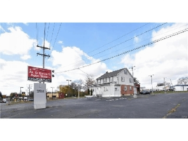 Listing Image #2 - Multi-Use for sale at 2511 FREEMANSBURG AVE, Easton PA 18045