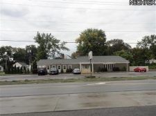 Retail for sale in Louisville, OH