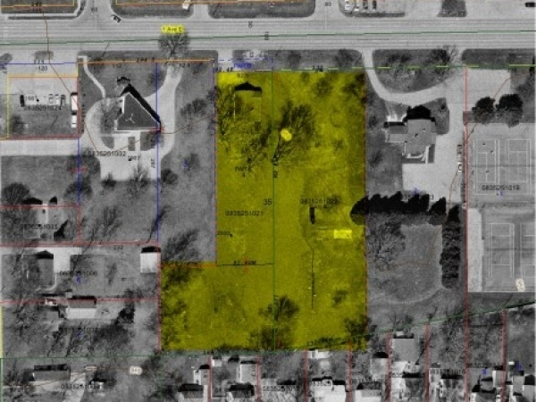 Listing Image #1 - Land for sale at 2005 1st Ave E, Newton IA 50208