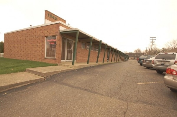 Listing Image #1 - Retail for sale at 1340 North Market Avenue, Canton OH 44714
