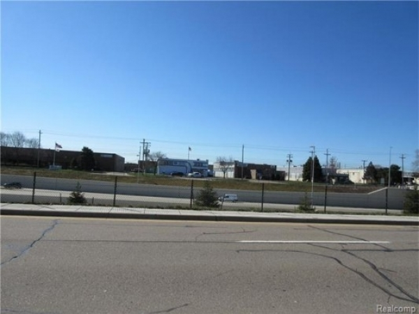 Listing Image #1 - Land for sale at 31850 Schoolcraft rd, Livonia MI 48150