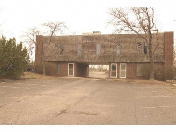 Listing Image #1 - Office for sale at 1340 N. Market Ave., Canton OH 44714