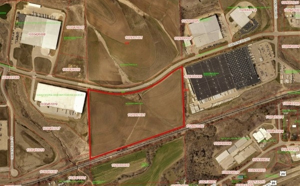 Listing Image #1 - Land for sale at 0 Chavenelle Road, Dubuque IA 52002