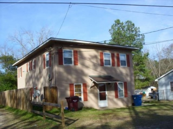 Listing Image #1 - Multi-family for sale at 917 Pineknot Rd, Ashburn GA 31714
