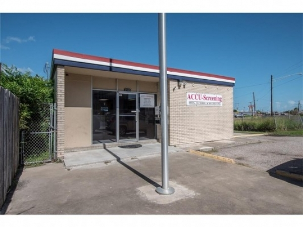 Listing Image #1 - Office for sale at 3626 Leopard St, Corpus Christi TX 78408