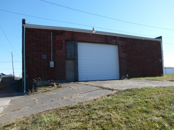Listing Image #1 - Multi-Use for sale at 307 W Illinois Street, Kirksville MO 63501