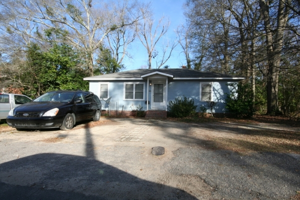 Listing Image #1 - Multi-family for sale at 1065 Freeland Street, Orangeburg SC 29115