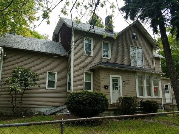 Listing Image #2 - Multi-family for sale at 1602 Buffalo Rd, Erie PA 16510