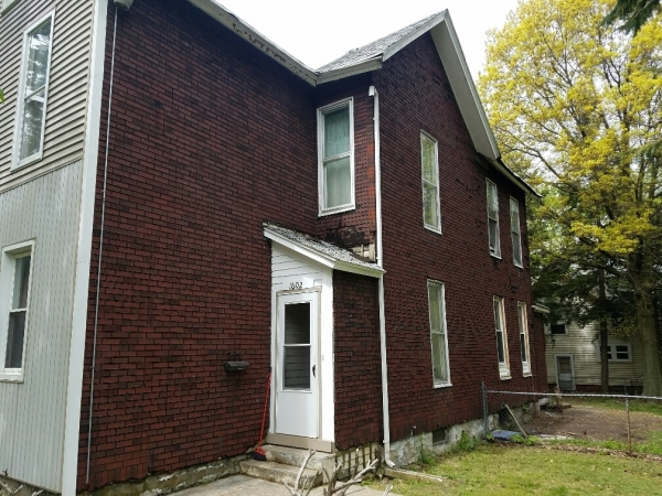 Listing Image #3 - Multi-family for sale at 1602 Buffalo Rd, Erie PA 16510