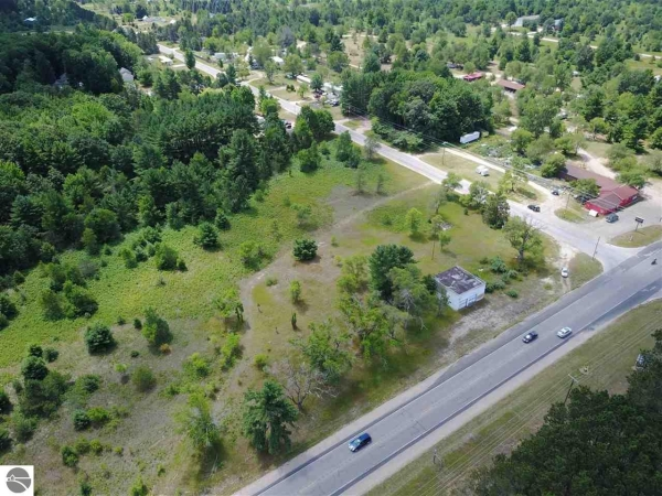 Listing Image #1 - Retail for sale at 10965 US-31, Interlochen MI 49643