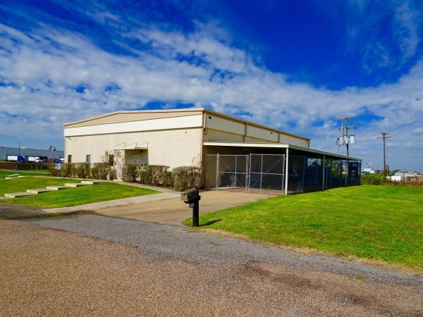 Listing Image #2 - Industrial for sale at 1899 Longwood Dr, Brenham TX 77833