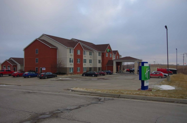 Listing Image #1 - Hotel for sale at 2929 S. Main St., Maryville MO 64507