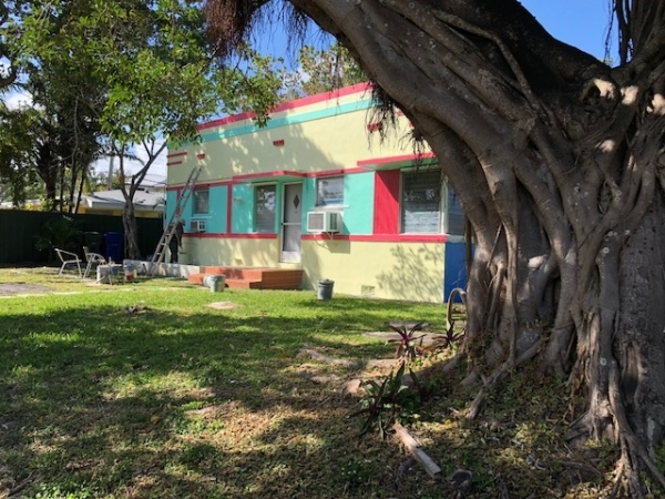 Listing Image #1 - Multi-family for sale at 401-403 NE 14th Avenue, Fort Lauderdale FL 33301