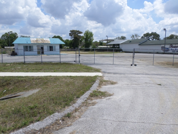 Listing Image #1 - Retail for sale at 15926 US hWY 19, New Port Richey FL 34667
