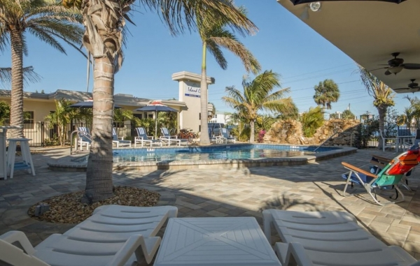 Listing Image #1 - Hotel for sale at 648 Poinsettia Ave, Clearwater FL 33767
